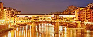 Ponte Vecchio a Firenze di sera
